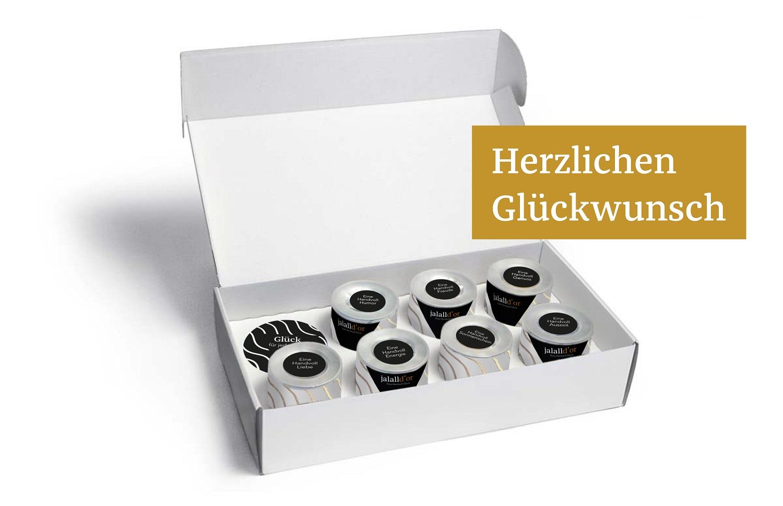 geschenkverpackung-mockup-herzlichen-glueckwunsch