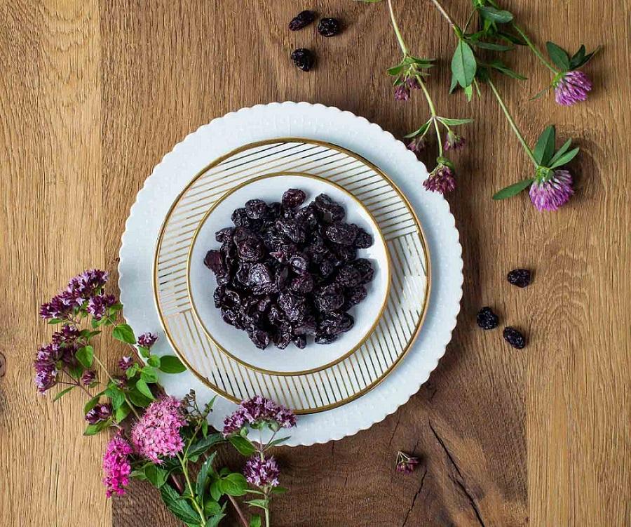 black-beauty-rosine-moodbild